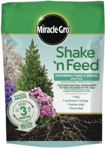 Miracle gro shake n feed is a great fertilizer with slow release.
