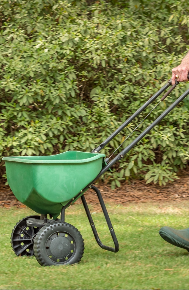 broadcast spreaders can be used to distribute lawn sand