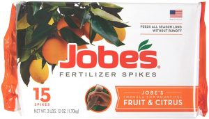 Fertilizer spikes for citrus trees that provides optimal growth